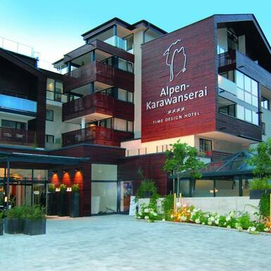 Apr s ski resort in austria apr s ski town saalbach for Boutique hotel alpen