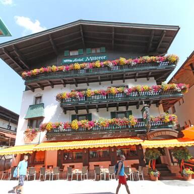Apr s ski resort in austria apr s ski town saalbach for Boutique hotel saalbach