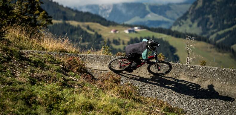 Downhill Mountainbiking in Saalbach Hinterglemm | © Nathan Hughes