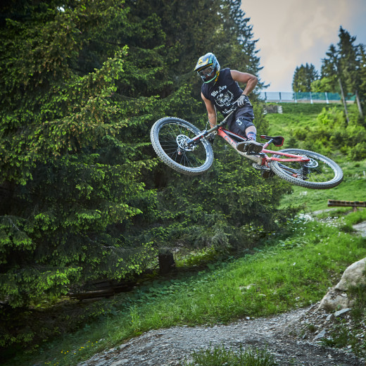 Daniel Roos am Bike | © Privat
