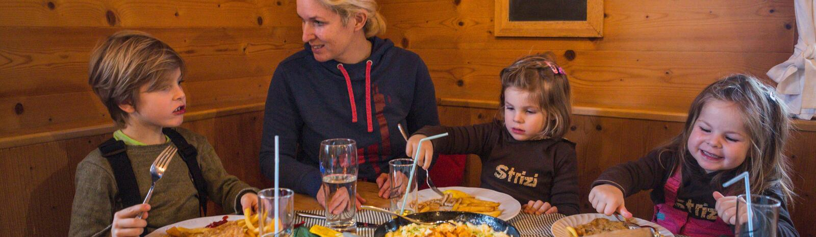 Wiener Schnitzel as a reward for the first turns | © Heiko Mandl