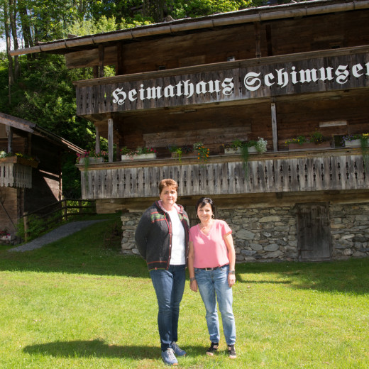 Renate and Maria - the good spirits of Heimathaus | © Edith Danzer