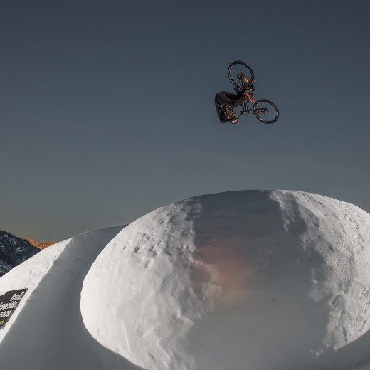 Breathtaking stunts at the White Style | © Christoph Laue