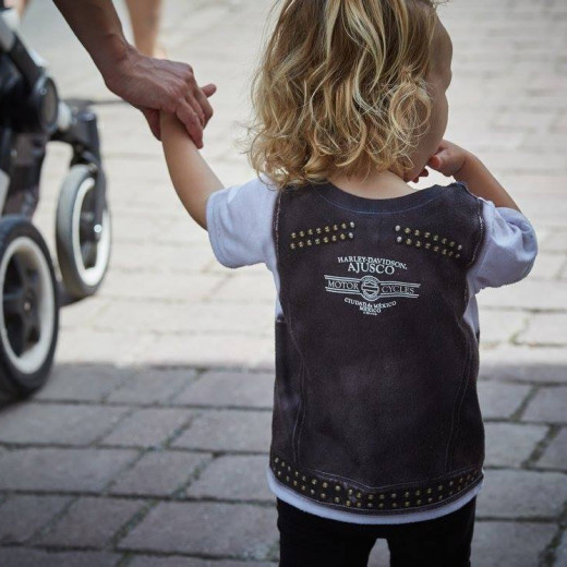 Young bikers. | © Daniel Roos