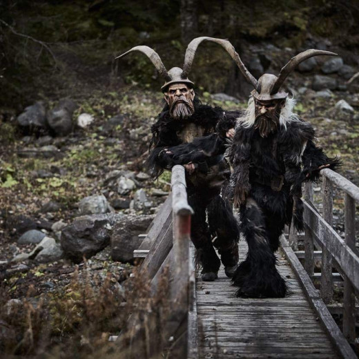 The weight of the Krampus-equipment is about 25 kg. | © c Daniel Roos