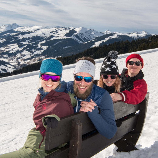Enjoying the view with Dani and Sascha from Skicircus Stories | © Edith Danzer