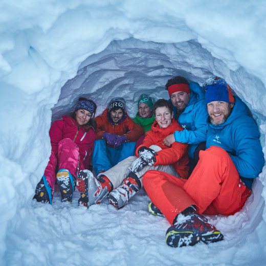 A break in the snow cave. | © Daniel Roos Photographie